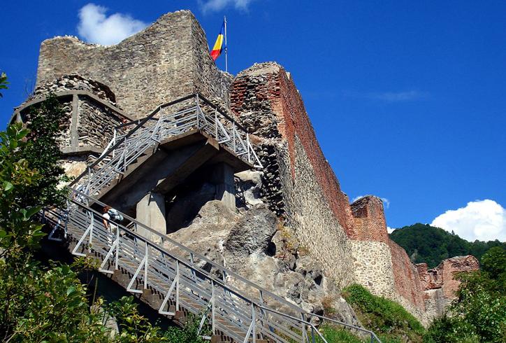 Замок Поенарь
