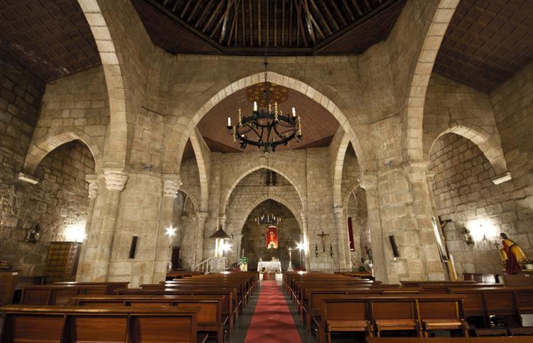 Внутри базилики Санта-Эулалия