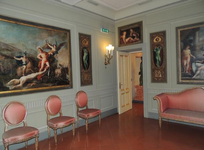 Внутри музея Museo Bocchi