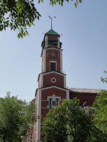 Башня с курантами