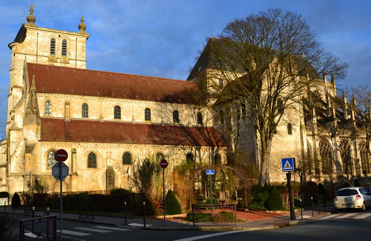 Романо-готическая церковь Сен-Этьен