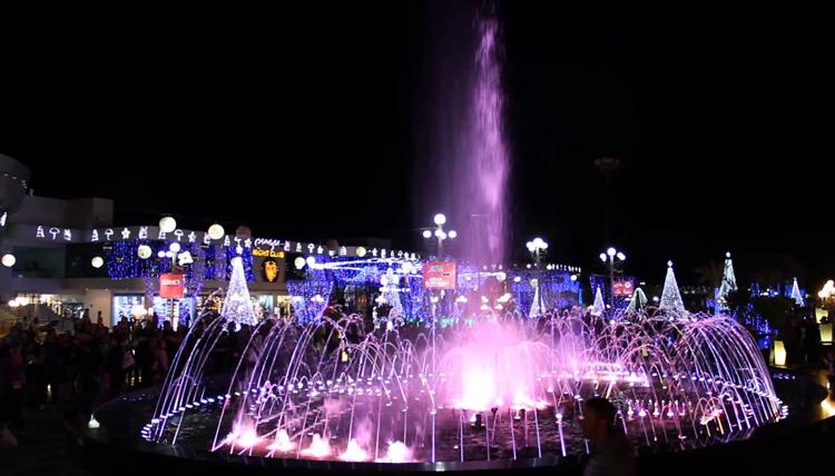 Поющие фонтаны в Сохо