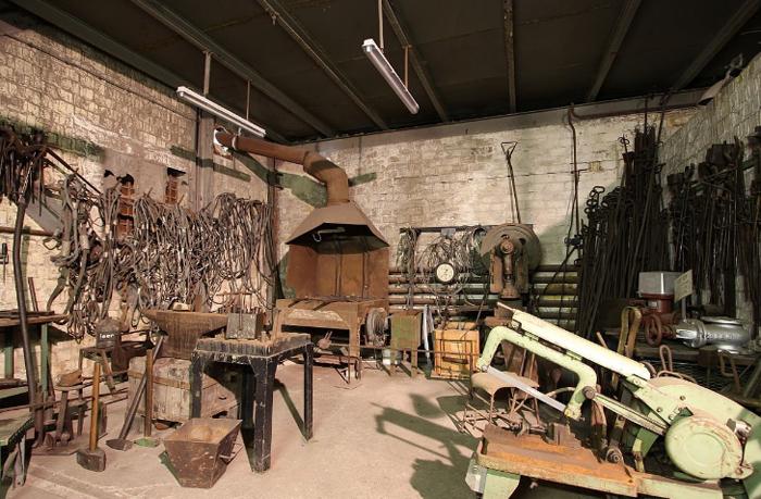 Внутри промышленного музея