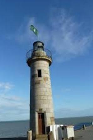 Порт «Волнения на море» и маяк