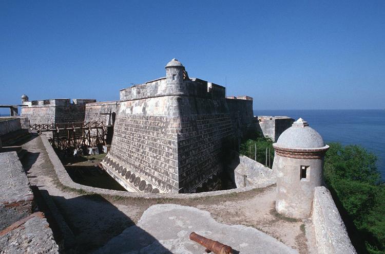 Крепость Сан-Петро-де-ла-Рока