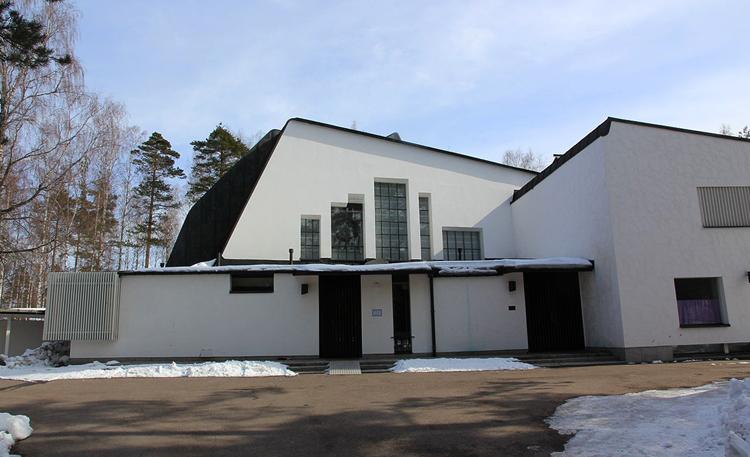 Церковь Трех Крестов