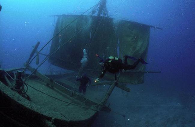 Дайвинг на острове Каталинита