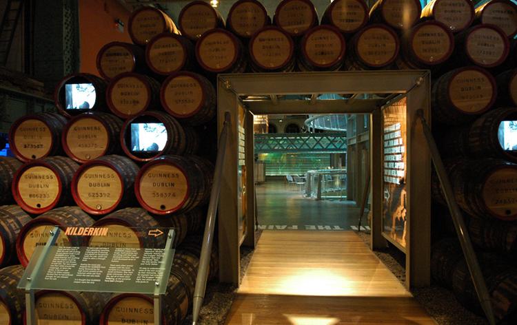 Внутри музея пива Гиннес