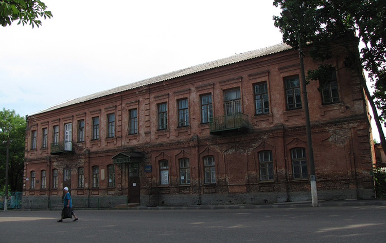Бывшая гимназия