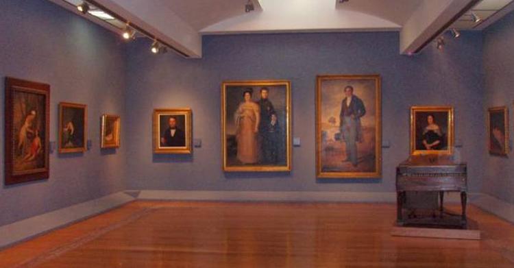 Внутри музея изобразительных искусств