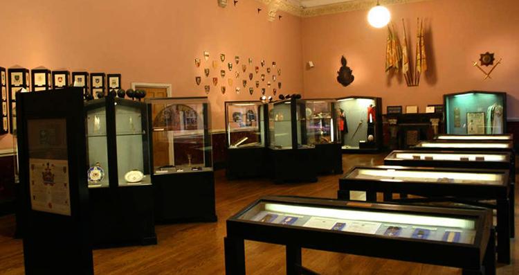 Внутри музея Геральдики