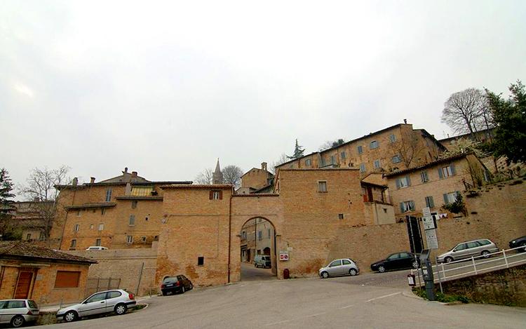 Крепостные стены Урбино