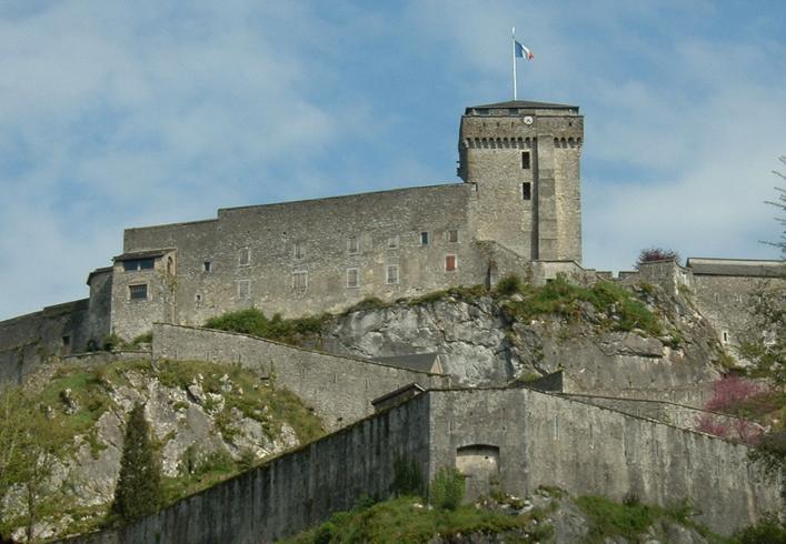 Лурдская крепость