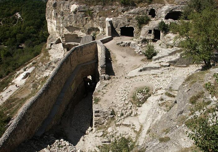 Древний город Мангуп-Кале