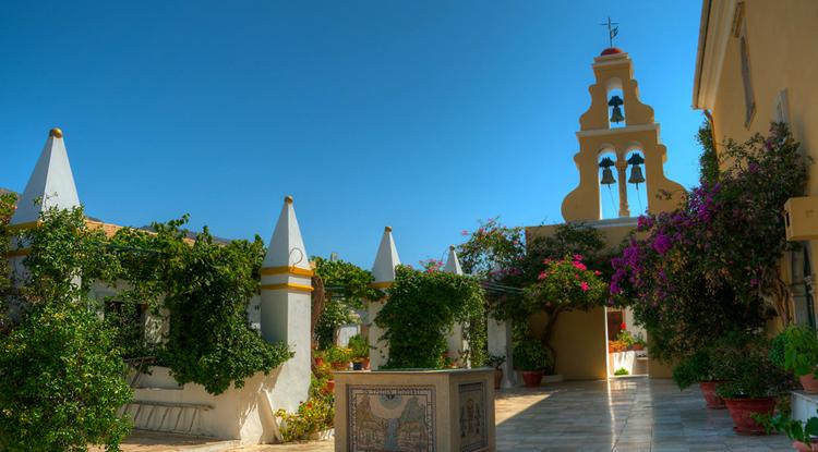 Монастырь в Палеокастрице
