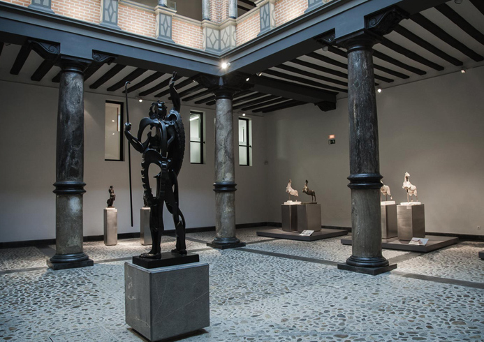 Внутри музея Пабло Гаргалло
