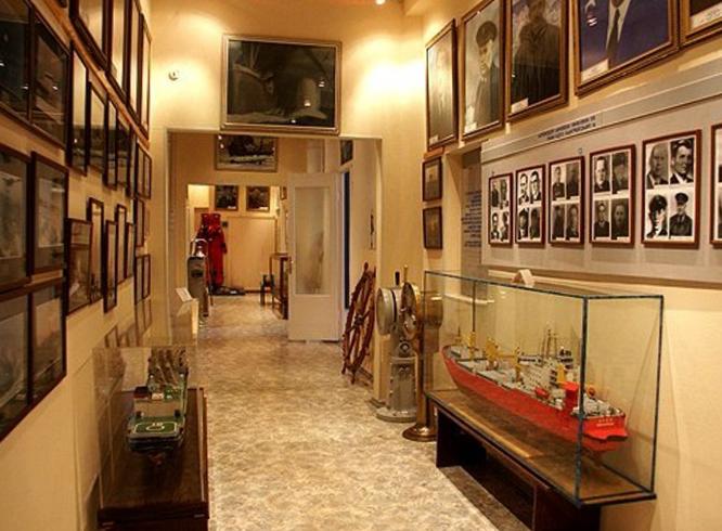 Внутри музея Мурманского морского пароходства