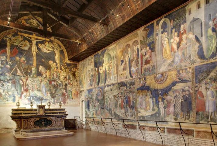 Внутри часовни Сан-Джованни Баттиста