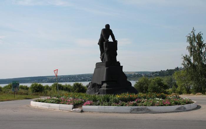 Памятник Шувалову
