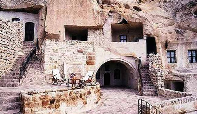 Пещерный храм пророка Илии
