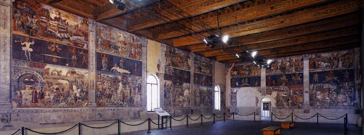 Внутри дворца Скифанойя