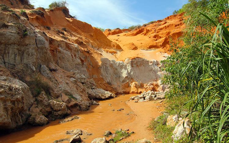 Файри Стрим ручей и красный каньон