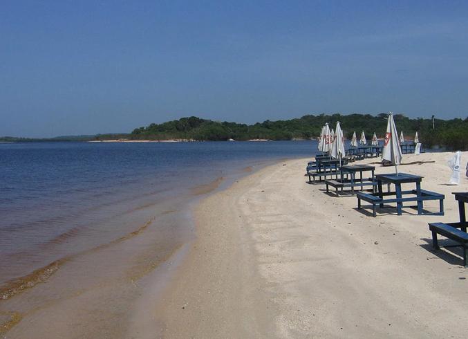 Пляж Прайя-да-Луа