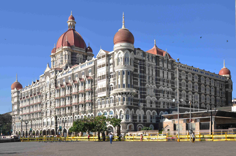 Дворец-отель Тадж Махал