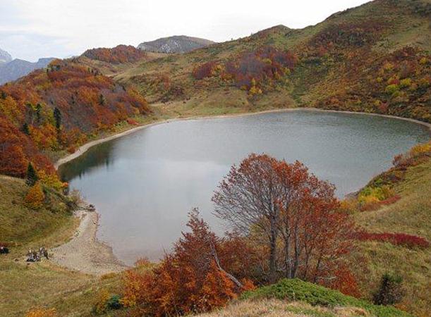 Горное озеро Псенодах
