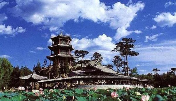 Летняя императорская резиденция и музей Бишушаньчжуан