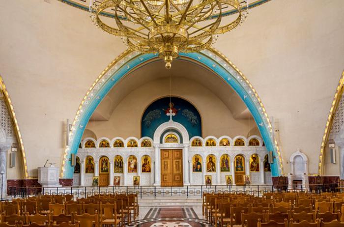 Внутри собора Воскресенья Христова