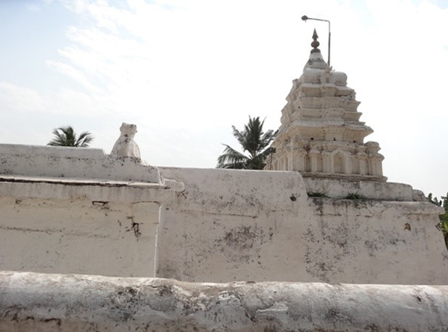 Храм Veerabhadra
