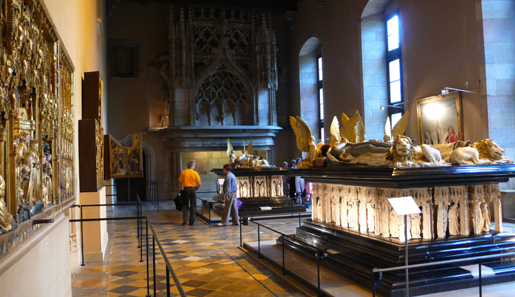 Внутри музея изящных искусств