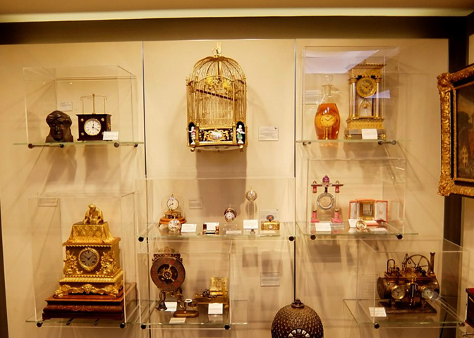 В музее часов