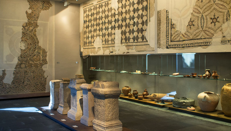 Внутри музея Наварры