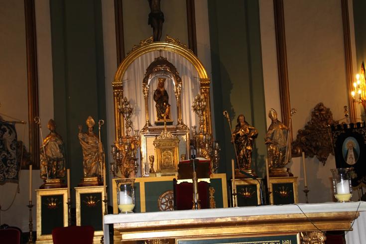 Внутри церкви Санта-Мария-де-Грасия