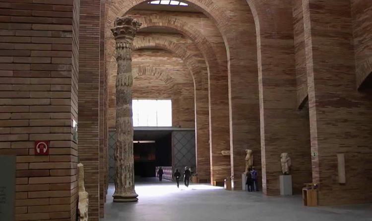 Внутри музея римского искусства
