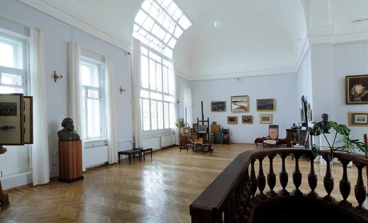 внутри музея Куинджи