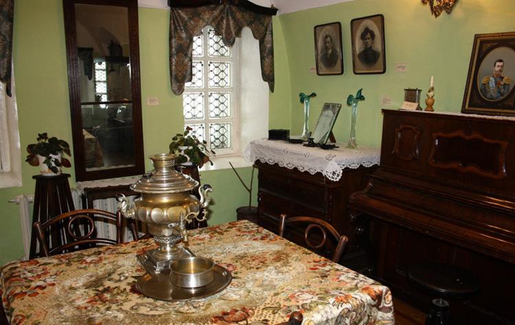 Внутри музея истории Оренбурга