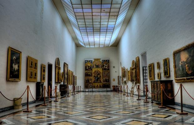 Внутри соборного музея