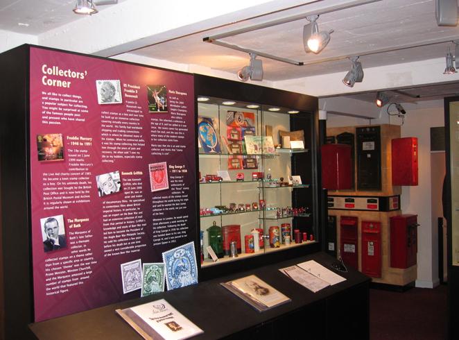 Внутри музея почты