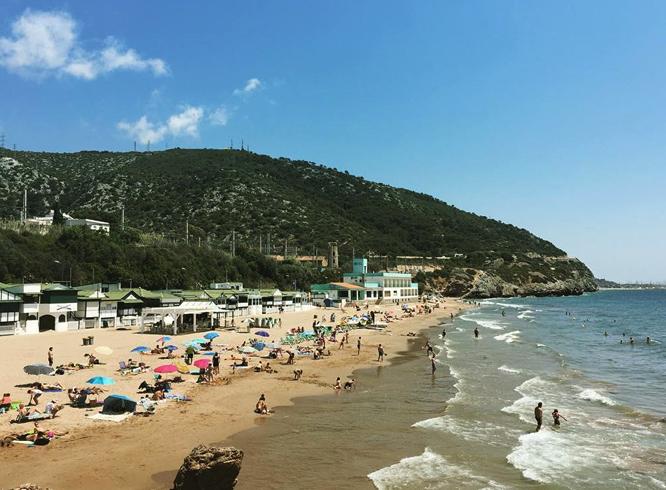 Пляж Ситжеса