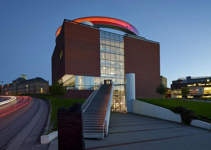 Музей искусств «AROS Aarhus Kunstmuseum»