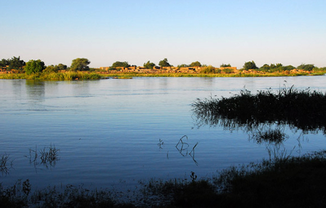 Экскурсия по реке вдоль Айору