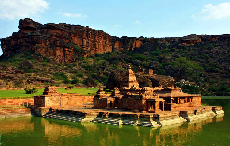 Храм Бхутанатха