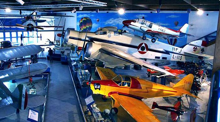 Внутри музея воздухоплавания