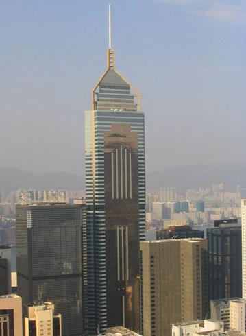 Небоскреб-башня Central Plaza