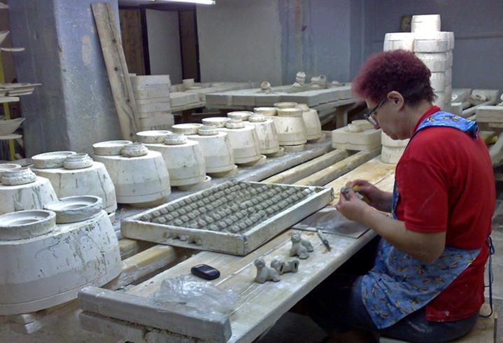В фарфоровом заводе