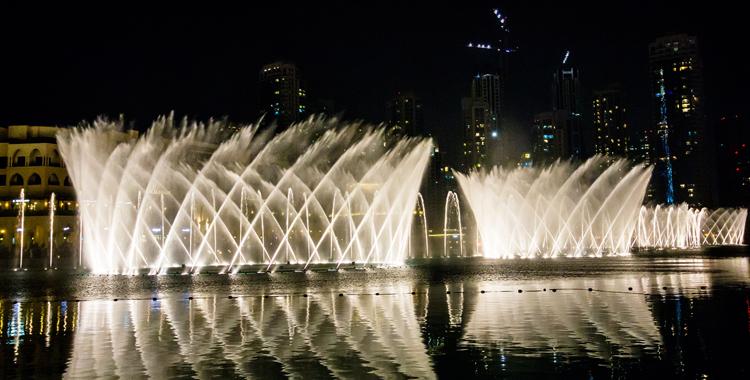 Поющий фонтан Дубая
