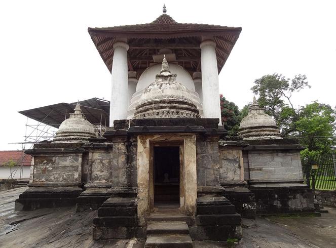 Храм Гадаладения Вихарайа